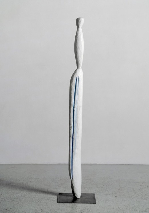 Louise Bourgeois, Pillar, 1949 Bronze, peint — 164,4 × 30,4 × 30,4 cm — Ed. 3/6 Courtesy of the artist & Galerie Karsten Greve Köln, Paris, St Moritz