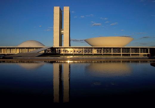 Exposition Oscar Niemeyer / Brasilia au siège du Parti communiste français jusqu'au 15 juin 2013