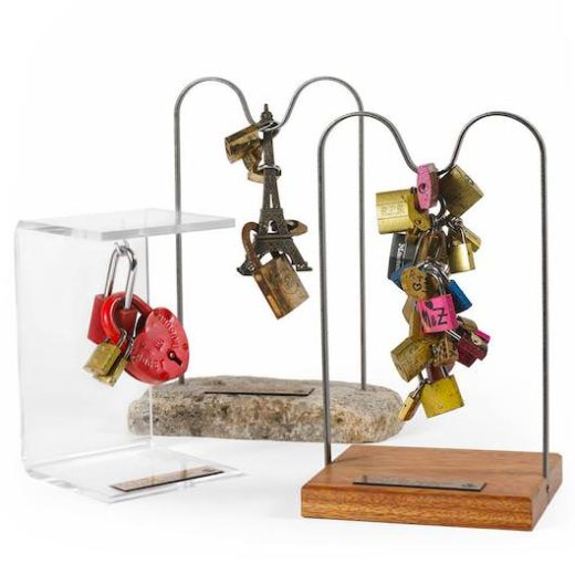 Offrez-vous un cadenas d'amour parisien aux enchères !