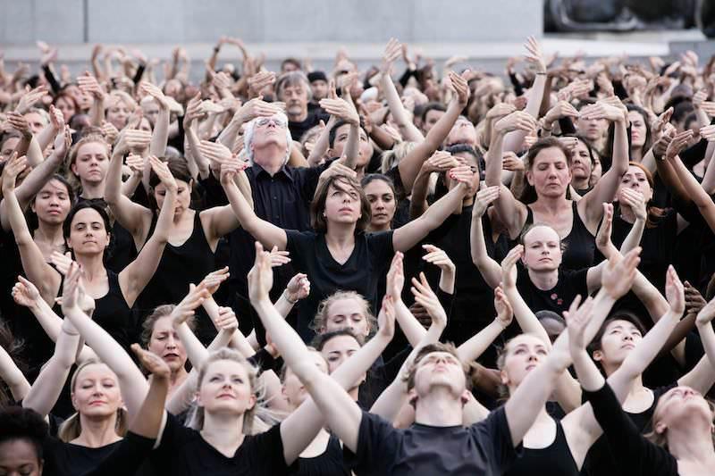 Akram Khan - Kadamati - 700 danseurs sur le parvis de l'Hôtel de Ville, dimanche 9 septembre 2018