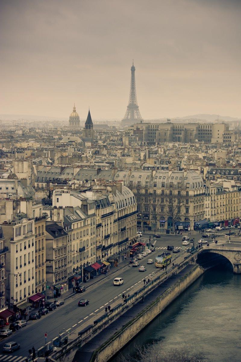 Un escalier de la Tour Eiffel vendu 169.000€ aux enchères