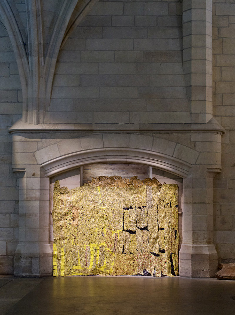 El Anatsui Looking for Freedom exhibition at the Conciergerie until 14th November 2021